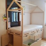 """Im neuen Kinderbett """"Scandic"""" lässt es sich toll verstecken und spielen."""